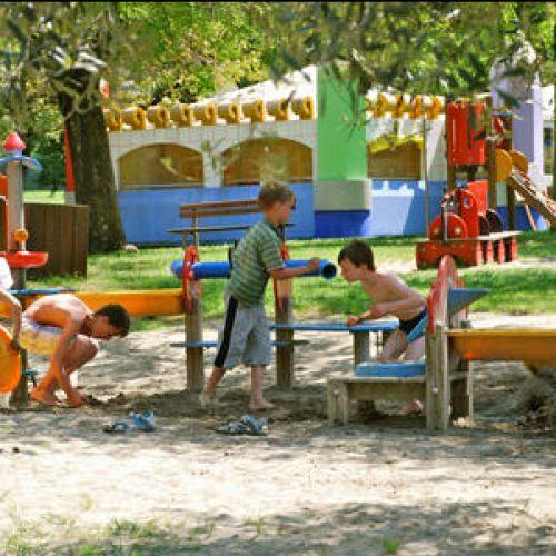 campeggio la quercia lazise garda bambini