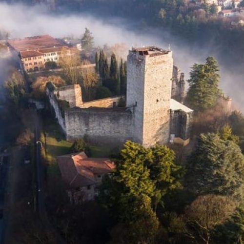 Castello Visconteo Trezzo sull'Adda Hallowen in camper