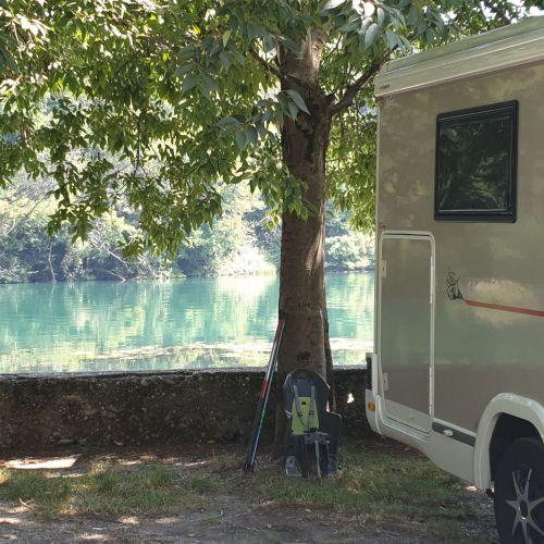Divieto di campeggio - solo parcheggio.